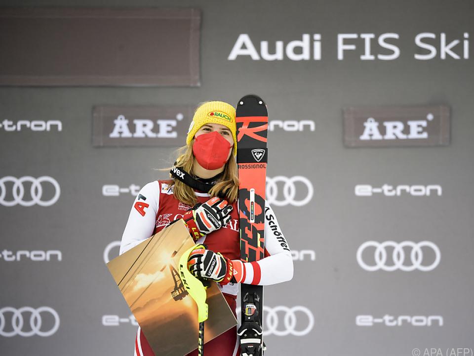 Hand auf dem Herzen: Liensberger nach Aare-Sieg überglücklich