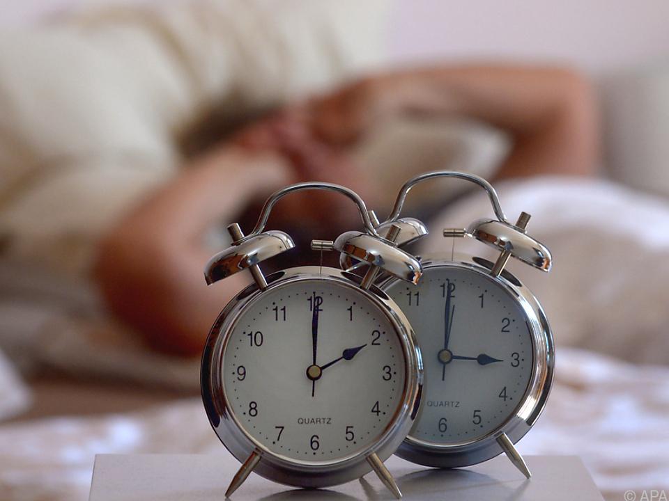 Heute heißt es wieder eine Stunde weniger schlafen