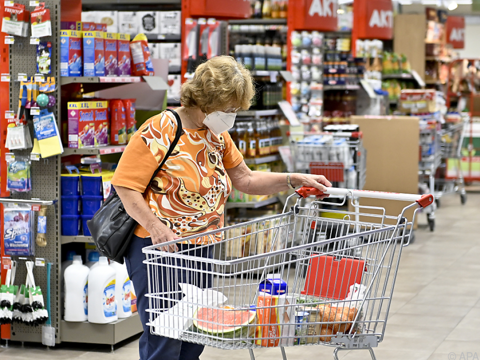 Im Coronajahr kauften die Menschen deutlich mehr im Supermarkt ein