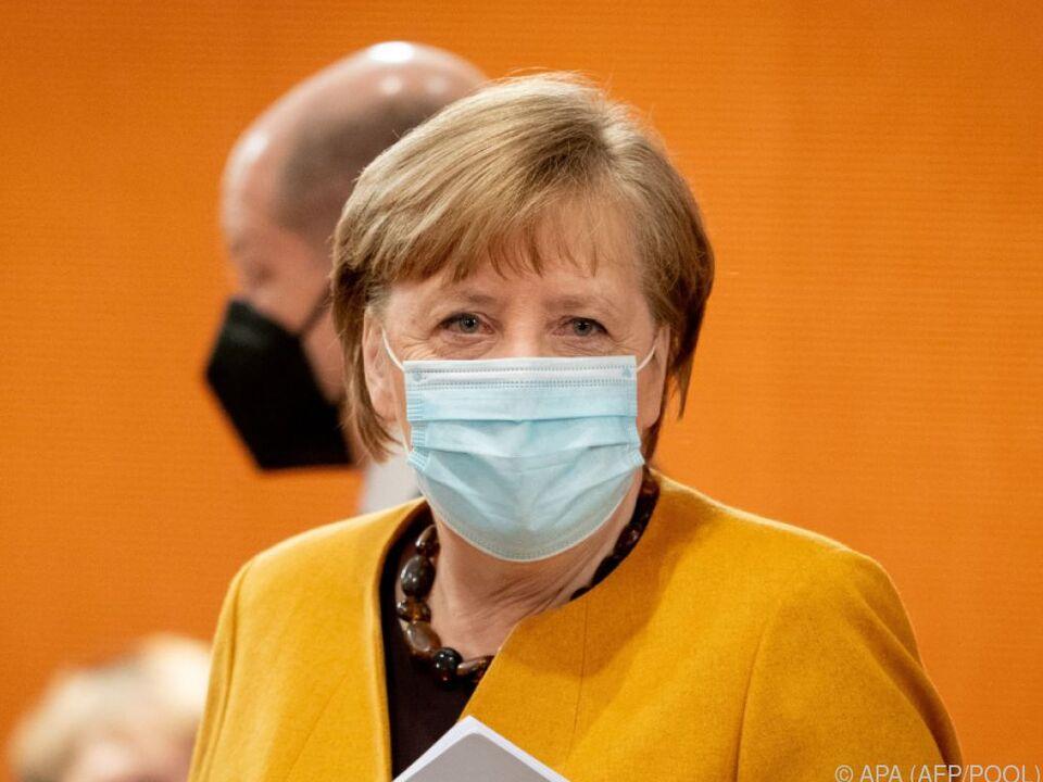 Kanzlerin Merkel rudert beim Lockdown zurück