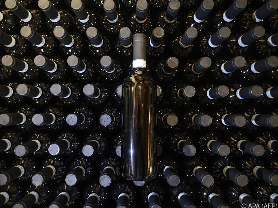 Keine Abnehmer für den vielen Wein in Italien sym