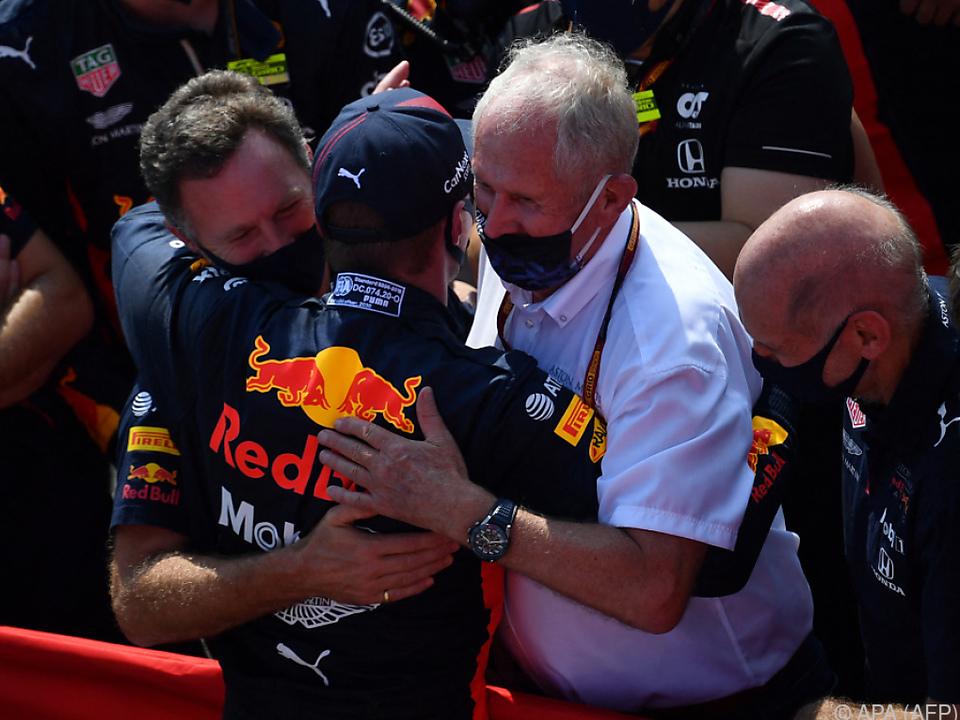 Marko (r.) mit Max Verstappen und Teamchef Christian Horner