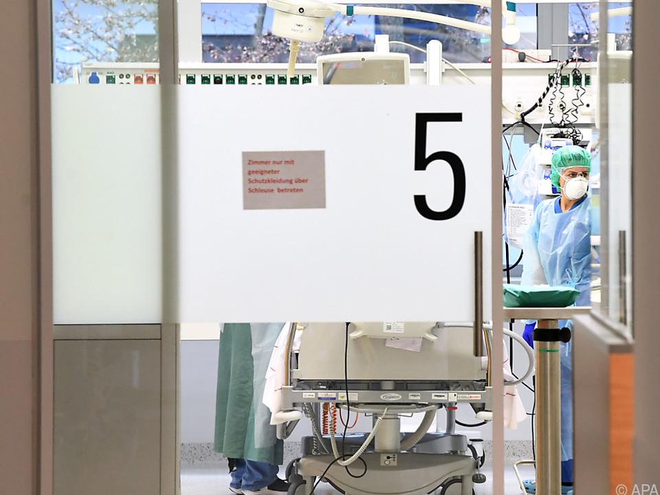 Mittlerweile 400 Intensivbetten mit Covid-Patienten belegt