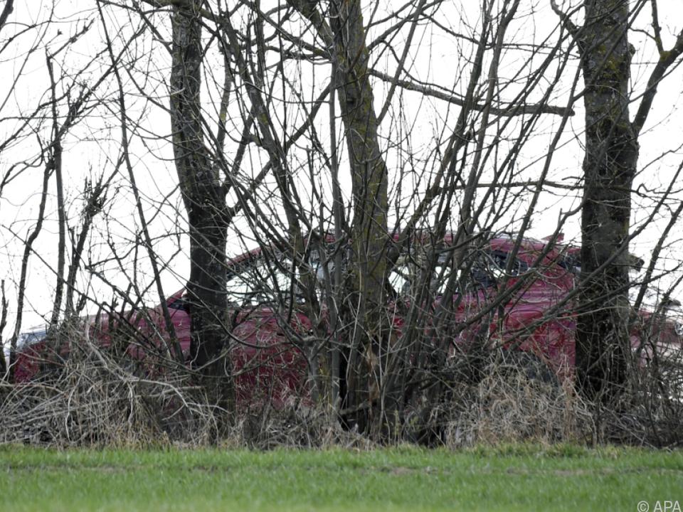 Mutter und Tochter erschossen in Auto aufgefunden