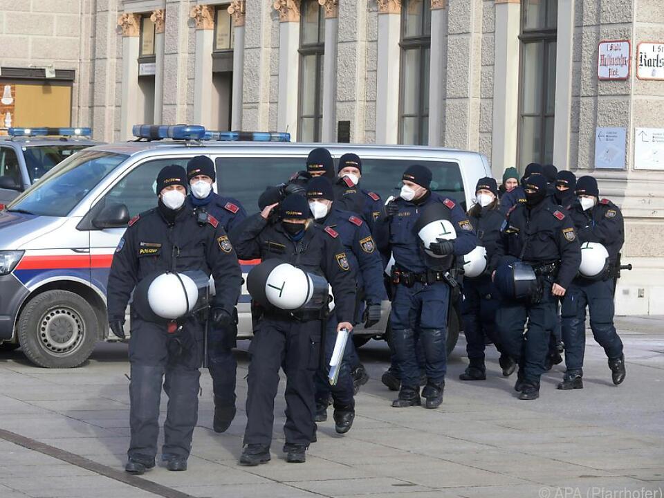 Polizei rüstset sich für neue Demos
