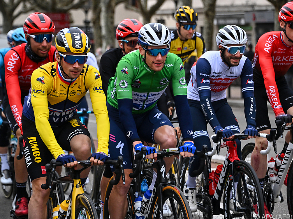 Roglic (links) behält bei Paris - Nizza das gelbe Leadertrikot
