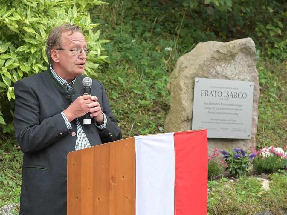 Roland+Lang,+einer+der+Promotoren+des+Gedenksteins+ggen+die+Diktaturen,+für+Frieden+und+Völkerverständigung