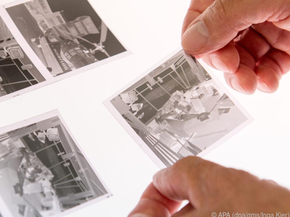 Negative scannen dauert vor allem wegen der Farbumkehr länger