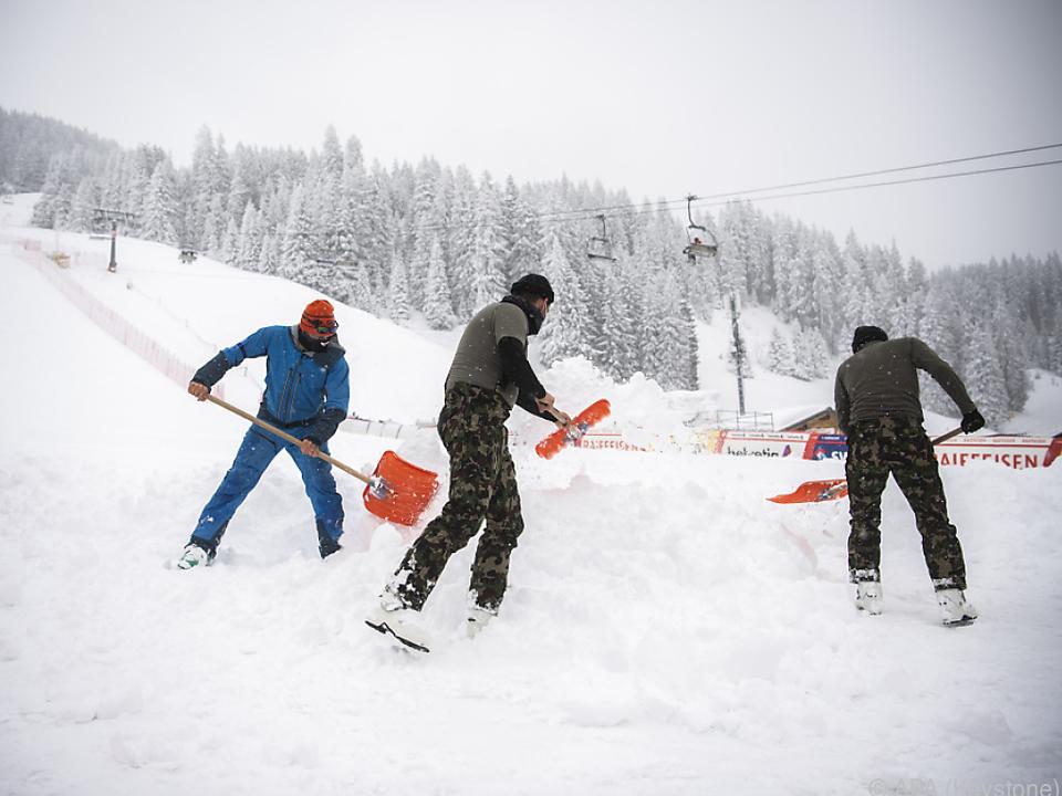 Streckenarbeiter beim Weltcupfinale in Lenzerheide