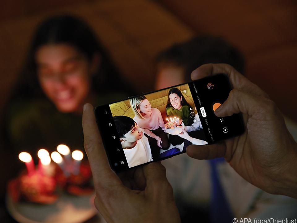 Selbst bei schwachem Licht liefert das Oneplus 9 Pro gute Bilder