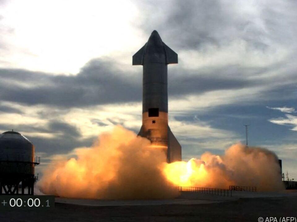 Unbemannte Rakete ging nach Landung in Flammen auf