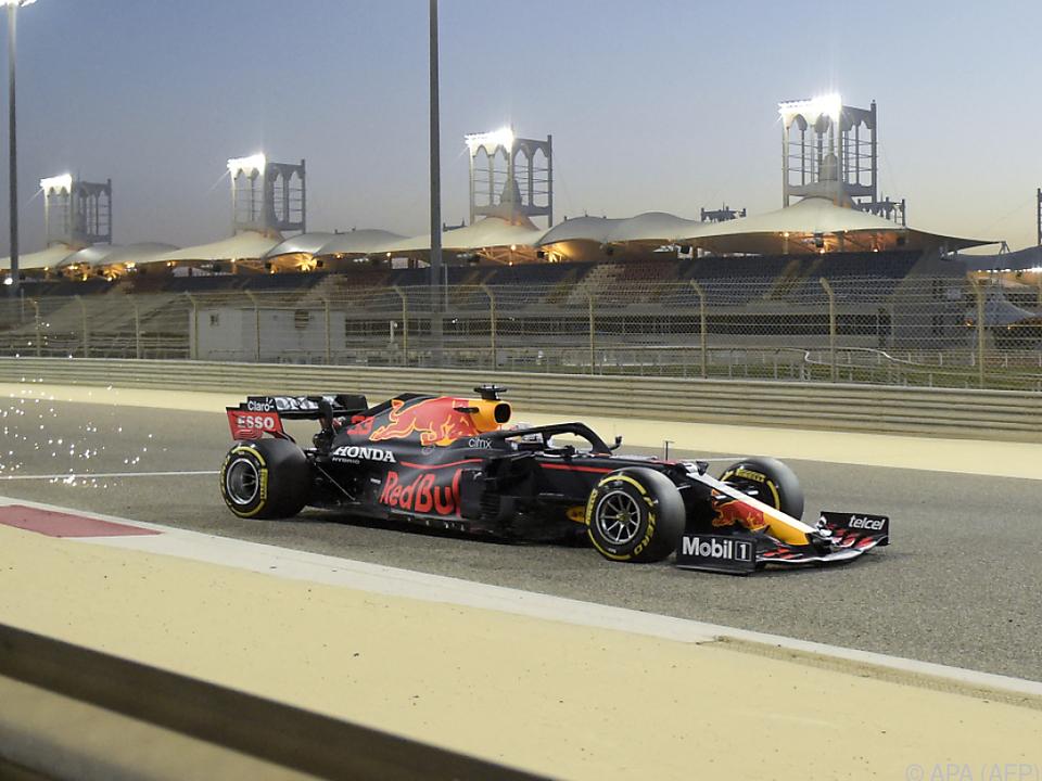 Verstappen auf dem Weg zur Bestzeit bei den Testfahrten in Bahrain