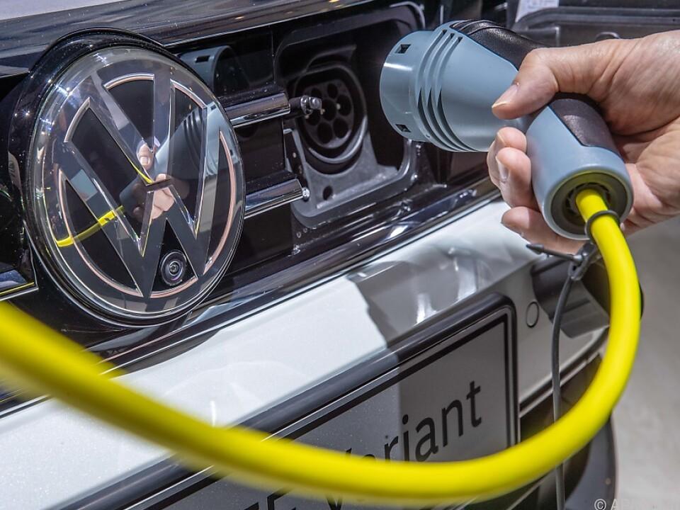 VW will Schnellladenetz für E-Autos aufbauen
