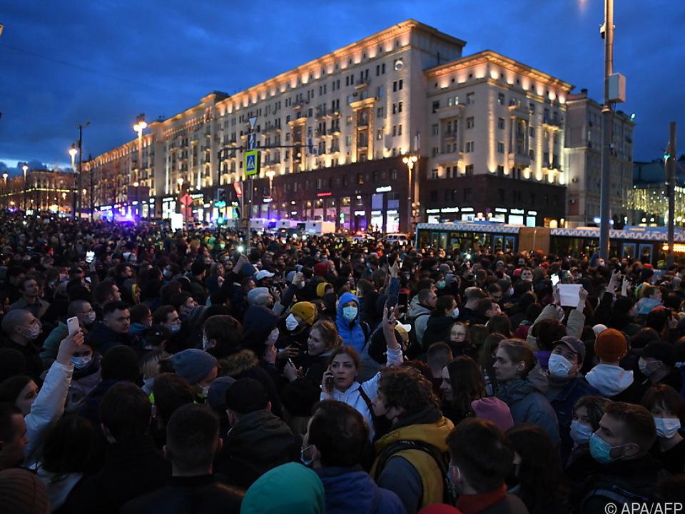 1.700 Festnahmen bei Demonstrationen in mehr als 100 Städten