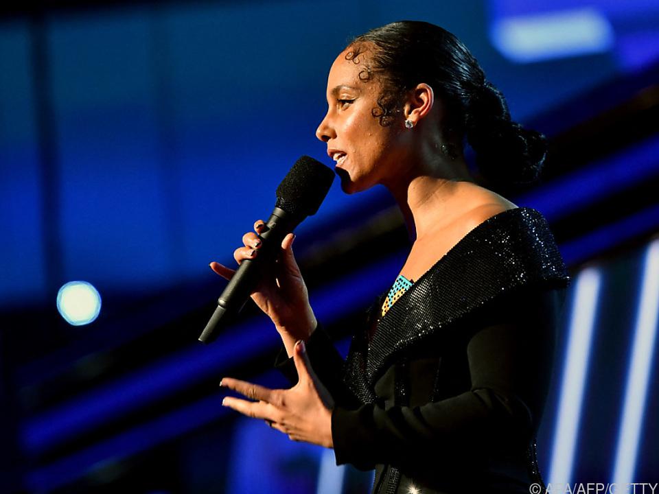Alicia Keys sang \