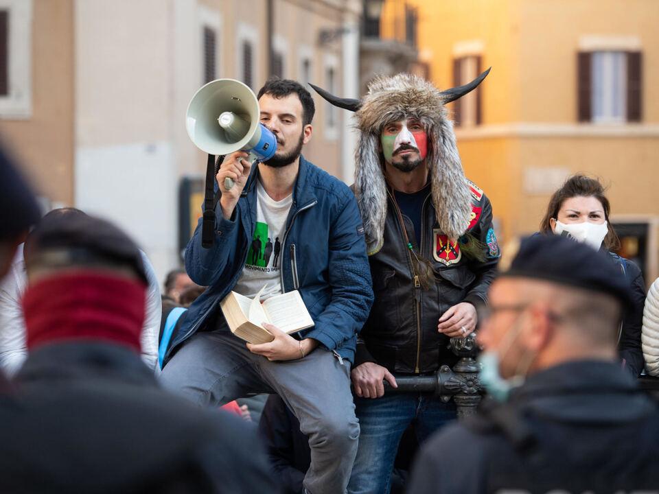 Un momento della manifestazione #Ioapro in Piazza Montecitorio a Roma, 6 aprile 2021., athesiadruck2_20210406201909232_f9e1b7933a2a290f847437eedeb3162b