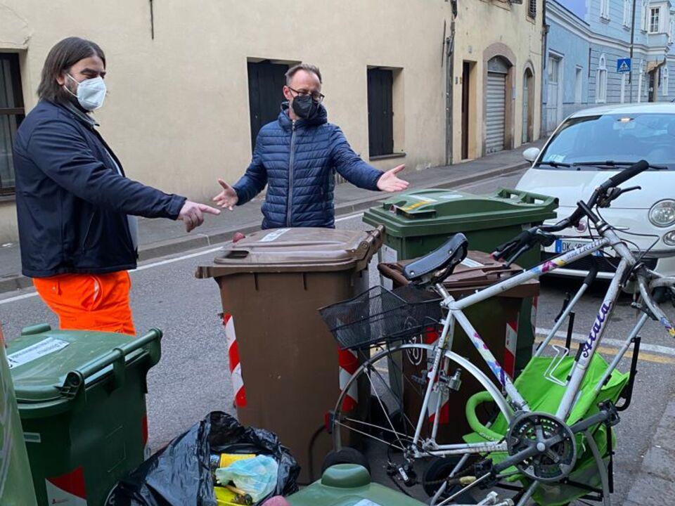 Bici abbandonate Ettore Trolla e Kilian Bedin