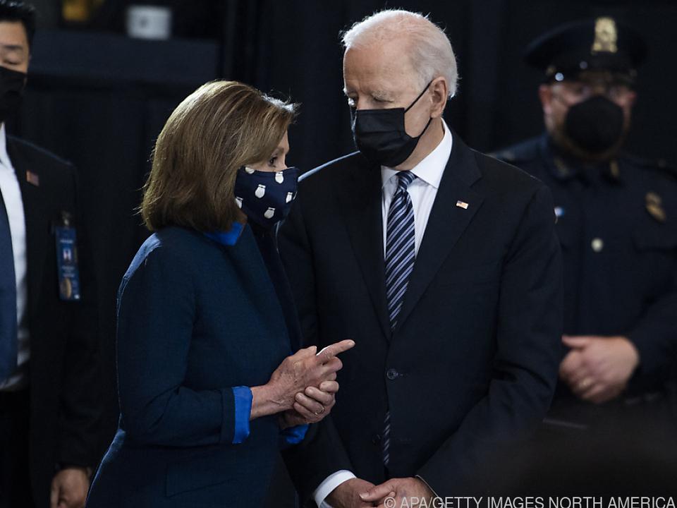 Biden nahm Pelosis Einladung an und spricht vor Kongress