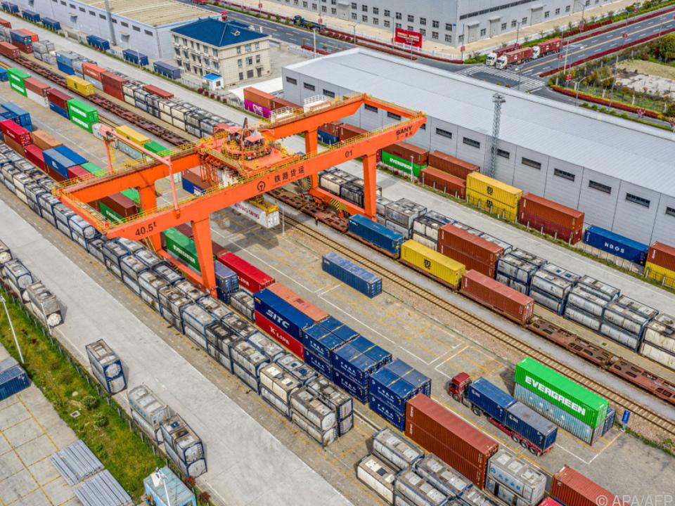 Chinesische Ausfuhren im März um fast ein Drittel gestiegen