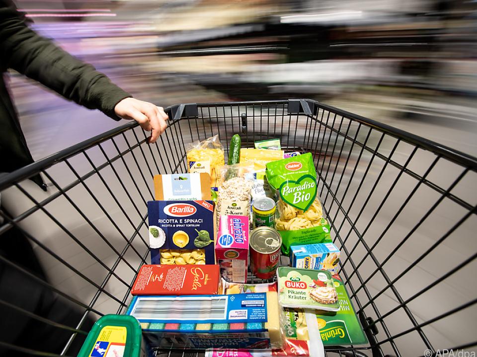 Die Coronapandemie bracht viel Mehrarbeit für Supermarkt-Mitarbeiter