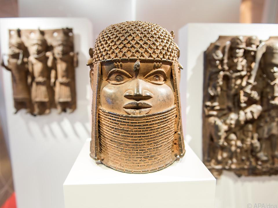 Drei Benin-Bronzen im Hamburger Museum für Kunst und Gewerbe