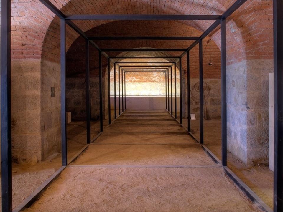 Esther Stocker,  Ohne Titel,  Labyrinth  Freiheit 2009,  © Günther Richard Wett