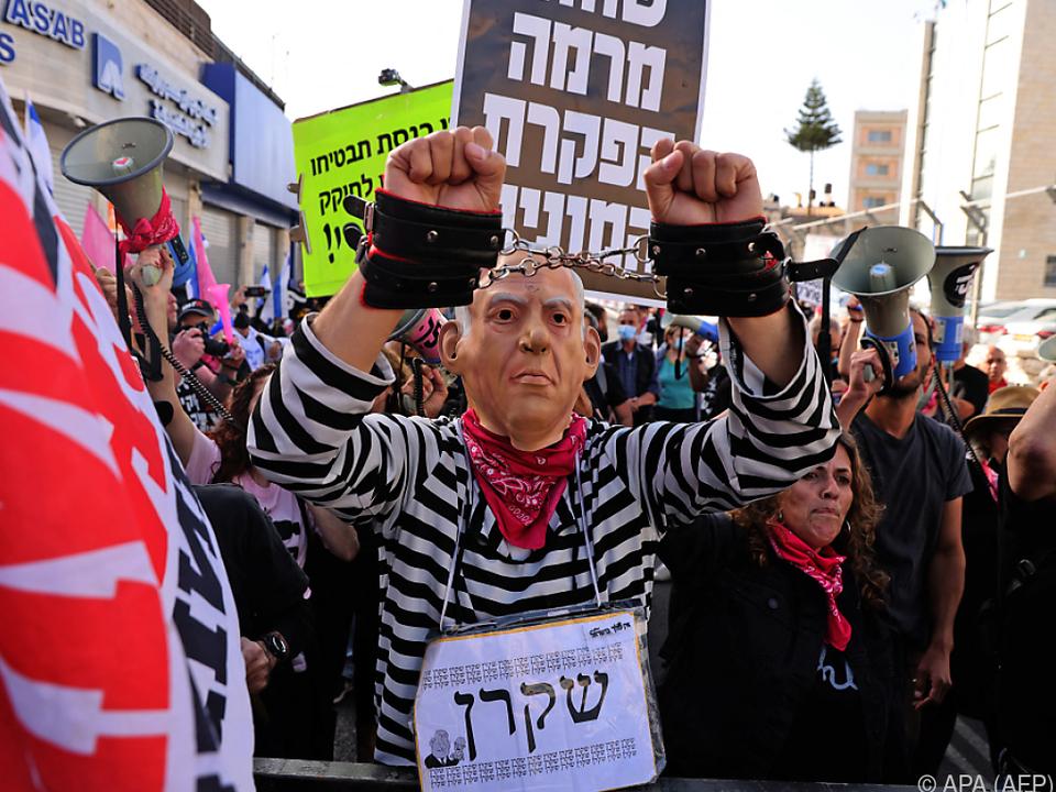 Für einige Demonstranten ist Netanyahu als Premier untragbar geworden