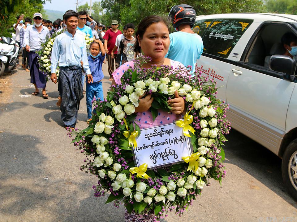 Gedenken an die getöteten Protestierenden gegen die Militärmachthaber