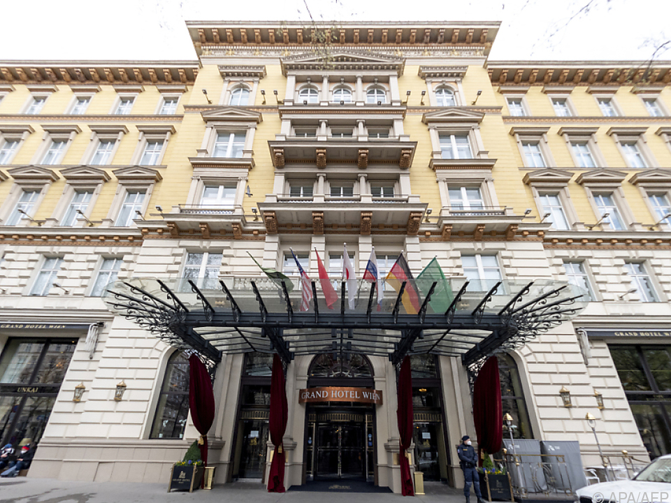 In Wien wird hinter verschlossenen Türen im Grand Hotel verhandelt