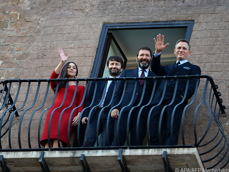Italiens Kulturminister Dario Francescini (2.v.l.)