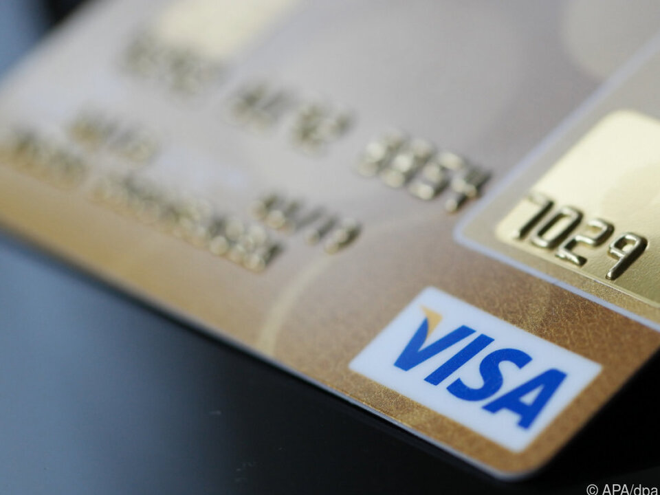 Kreditkartenkunden geben wieder mehr aus