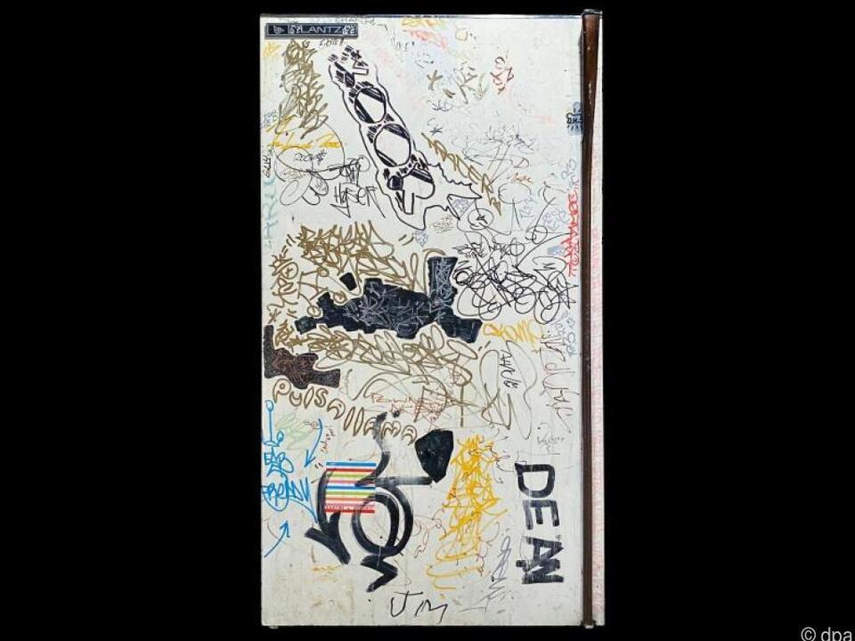 Kühlschrank-Tür von Keith Haring bei Auktion
