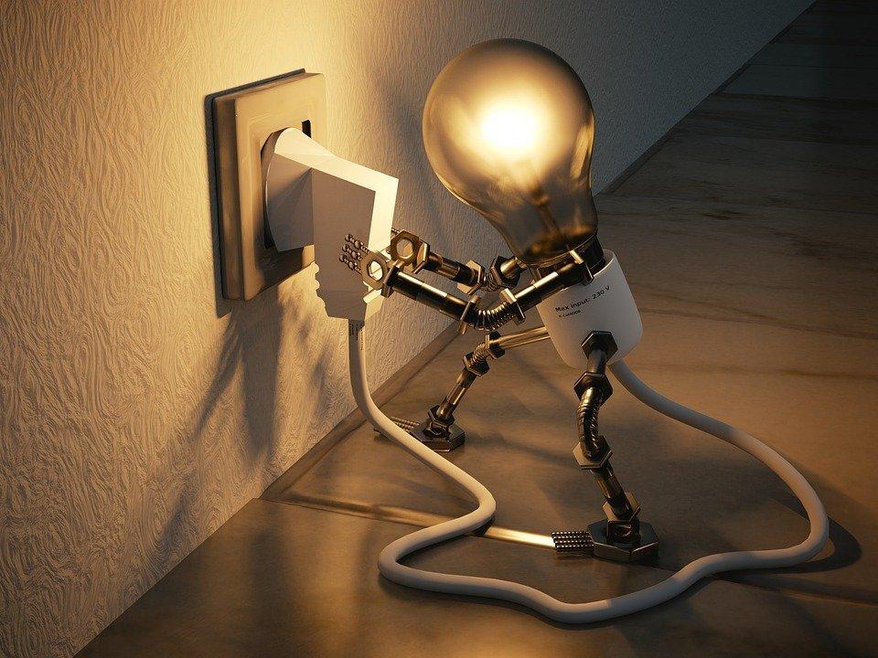 strom energie sym glühbirne verbrauch steckdose nicht fotolia