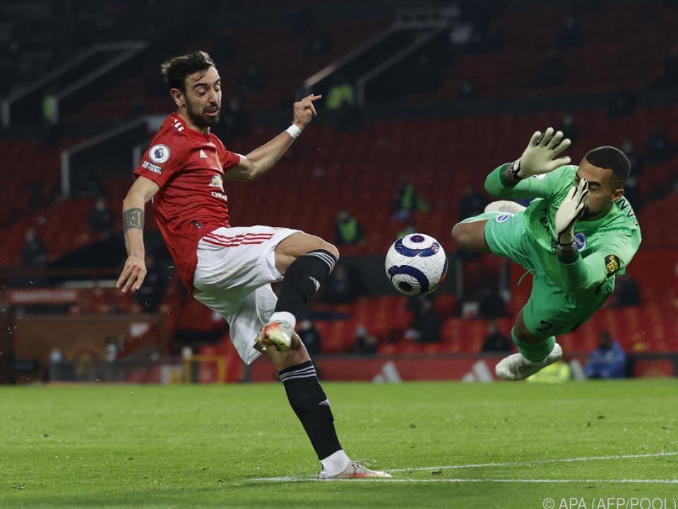 Manchester-United-Profi Bruno Fernandes (l.) bei einer Torchance