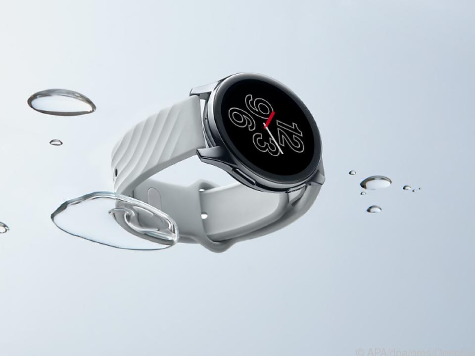 14 Ziffernblätter im fliegenden Wechsel unterstützt die Oneplus Watch