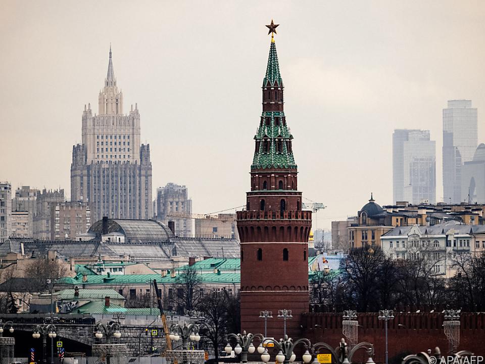 Russland-weist-20-Botschaftsmitarbeiter-aus-Tschechien-aus