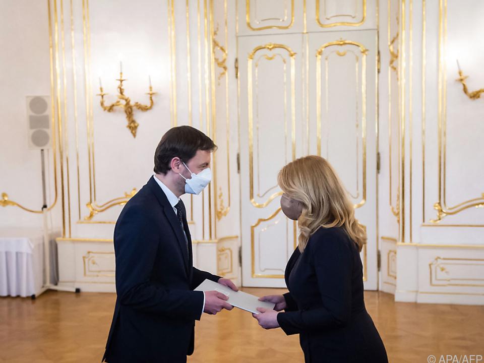 Präsidentin ernannte Kabinett von Premier Heger