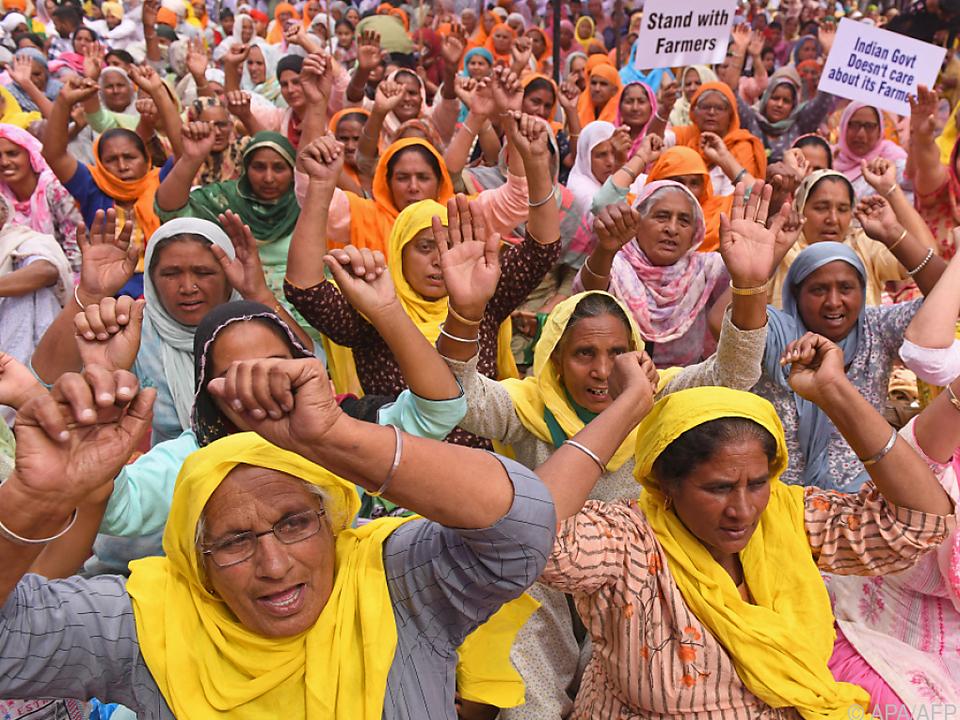 Protest von Bäuerinnen gegen die Agrarreform in Amritsar