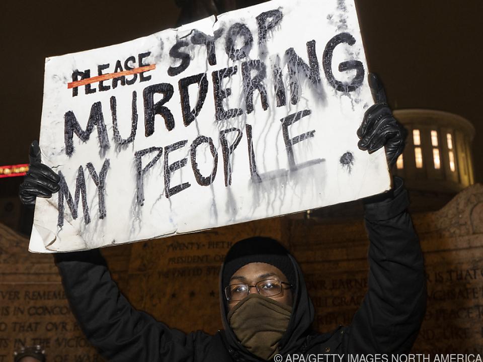 Proteste nach der Erschießung einer 15-Jährigen in Ohio