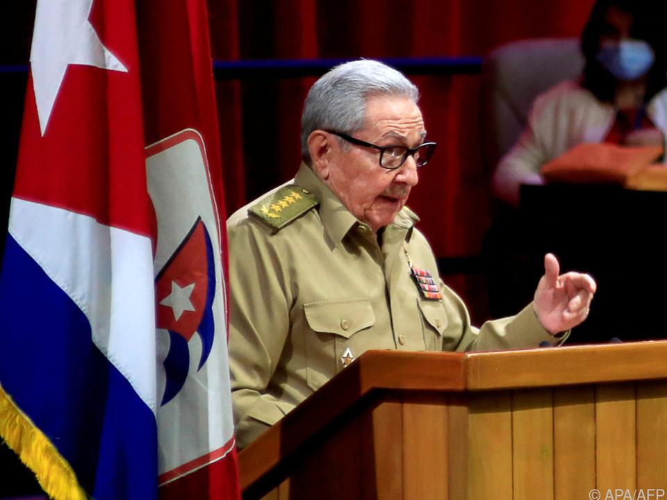 Raúl Castro kündigte Rücktritt als Parteichef an