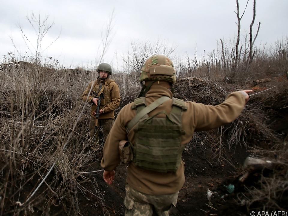 Die Befürchtungen über Eskalation in der Ostukraine wachsen soldaten krieg konfltik russland ukraine krim sym