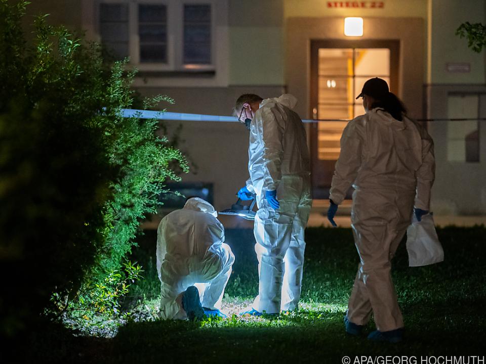 Täter samt Tatwaffe in Innenhof von Gemeindebau festgenommen
