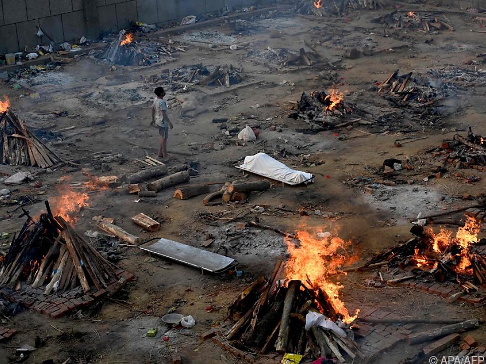 Trauerfeier für indische Covid-19-Opfer