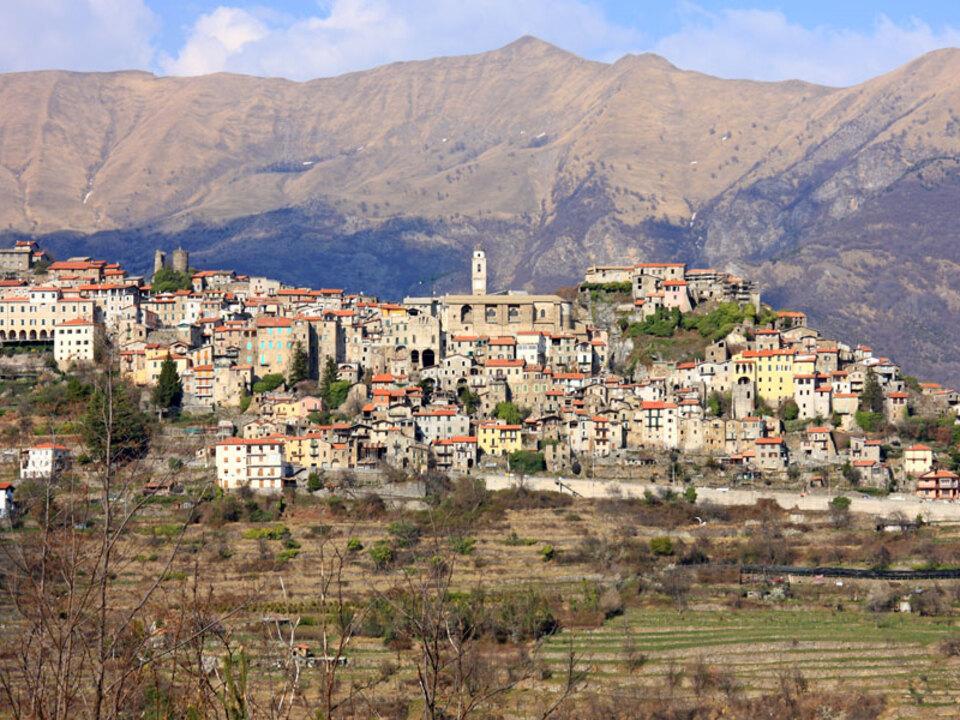 Triora_Panorama_Alessandro Vecchi_CC BY-SA 3.0