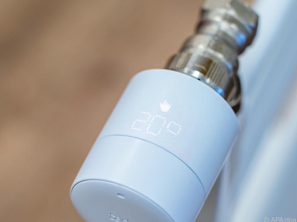 Die Raumtemperatur mit einem intelligenten Heizthermostat automatisch angepassen