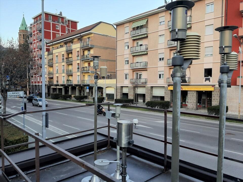 1107402_Luftmessstation-Hadrianplatz-Bozen_Umweltagentur
