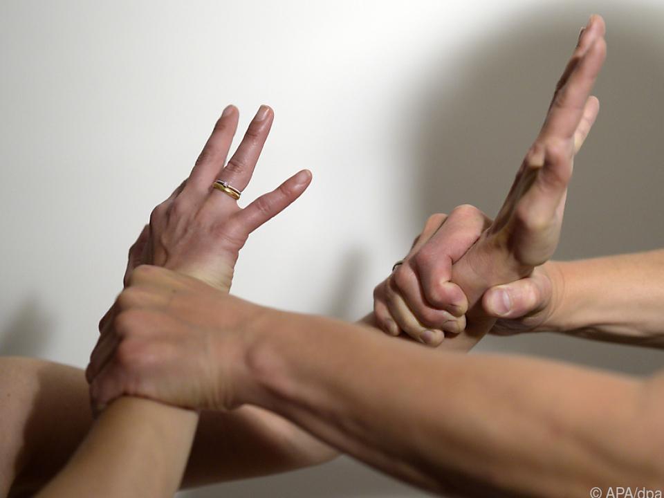 3.000 zusätzliche Stellen fürBetreuung von Gewaltopfern nötig