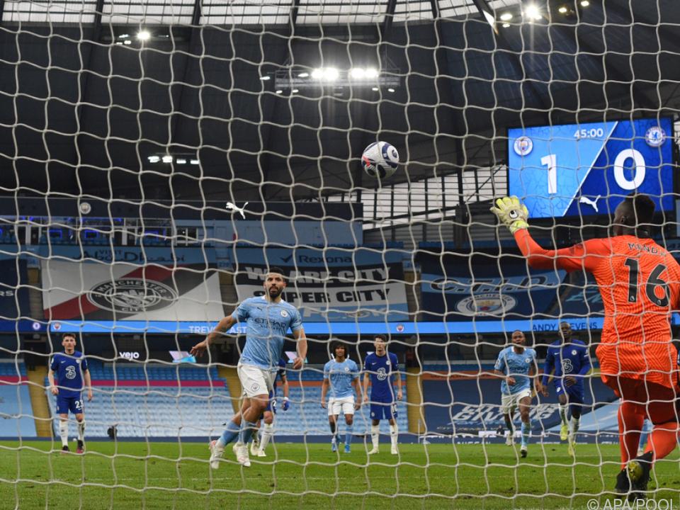 Aguero vergab Elfmeter und damit vorzeitige City-Titelparty