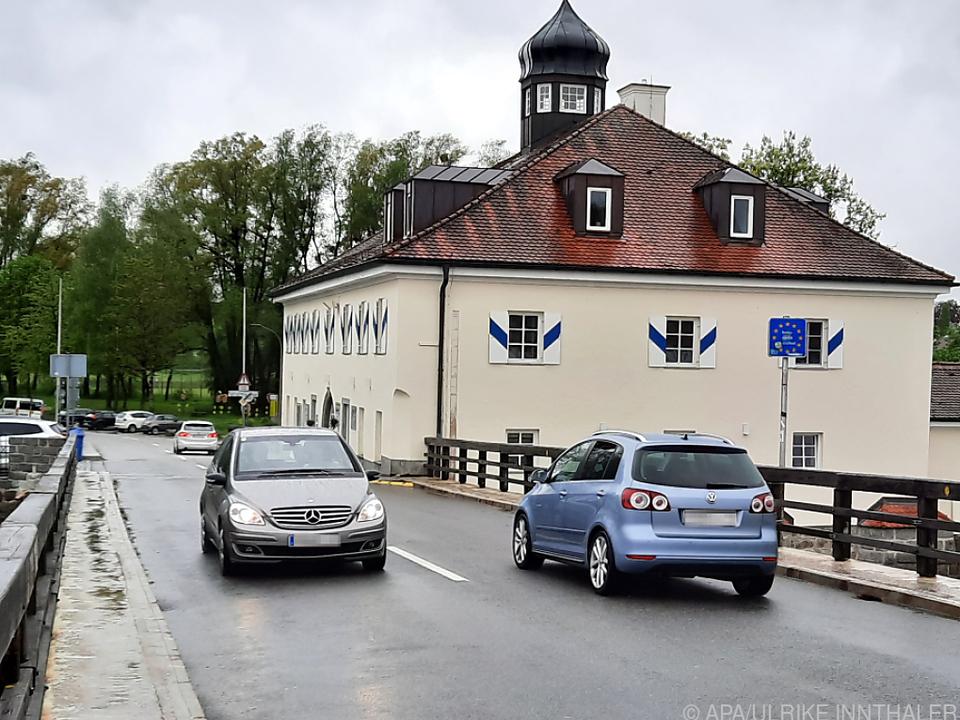 Alte Innbrücke zwischen Schärding und Neuhaus