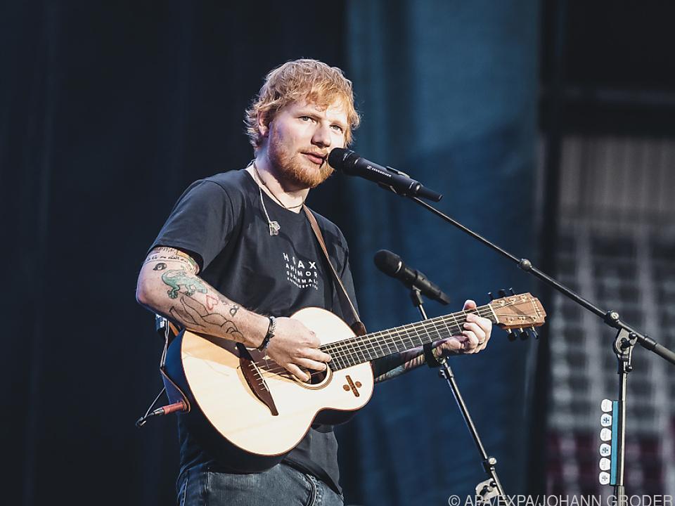 Auch als Musiker ist Sheeran in Fußball-Stadien zu sehen